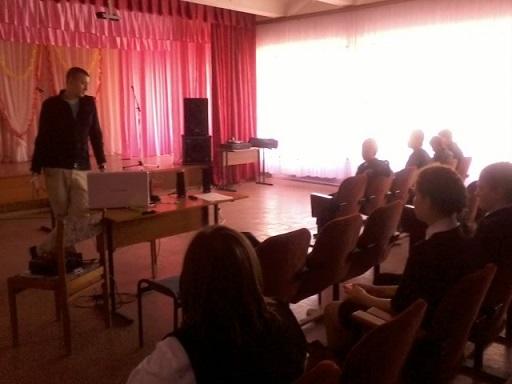 Handle провёл лекцию в Муриковской школе
